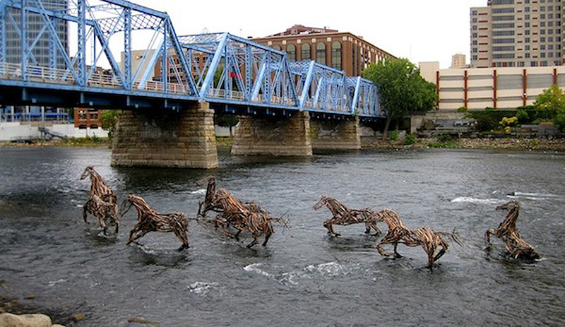 Awesome-Outdoor-Installations-6 10 Most Inspiring Installations Around The World