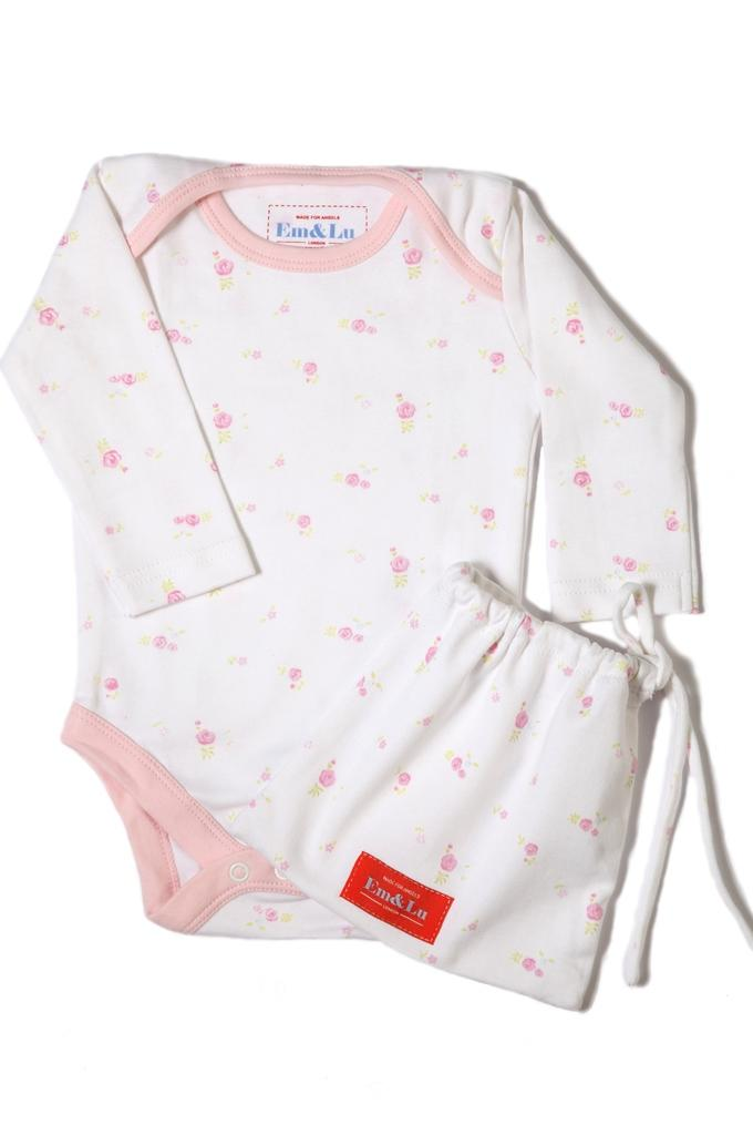 Baby-Vest-Pink-Flower-Cut-Out Best 25 Baby Shower Gifts