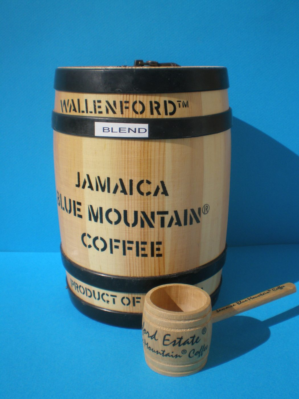 Blue-Mountain-Coffee-8oz-Barrel1 Why Most Expensive Coffee Taken from Animal Source?!