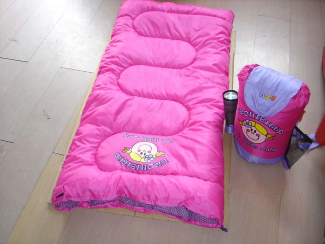 Children-Sleeping-Bag Use Sleeping Bags For Kids And Make Them Feel Comfortable
