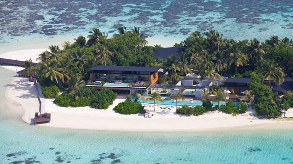 Coco-Prive-aerial 14 World's Most Luxurious Retreats in The World