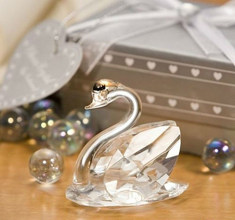 Crystal-Wholesale-SJ012-A-Crystal-font-b-Swan-b-font-Wedding-font-b-Favor-b-font 20 unique wedding giveaways ideas