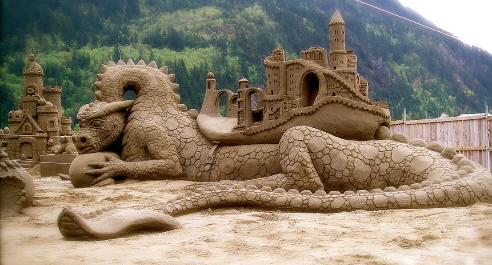 Dragon-Dwellers-Amazin-Walter-and-William-Lloyds-entry-in-the-Tournament-of-Sand-Sculpting-Champions-at-Harrison-Hot-Springs-British-Colombia Learn How to Make Sand Art By Following These Easy Steps