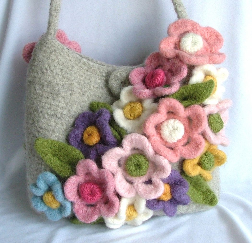 Felted-purse-organizer-ravelry-a-knit-and-crochet-community 20+ Most Stylish Celebrity Bags