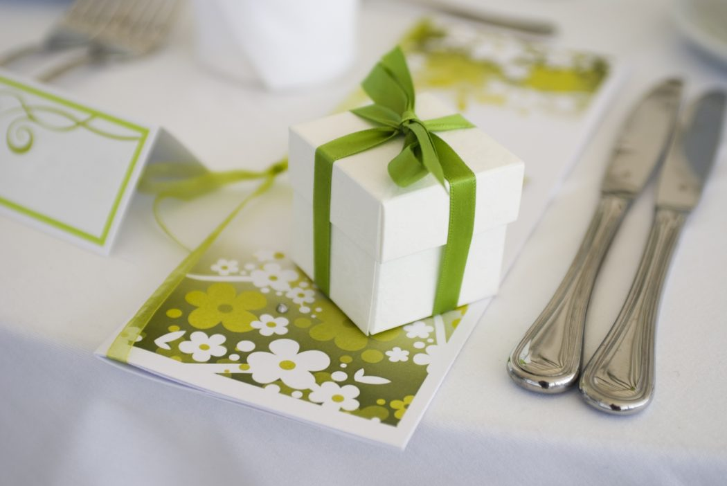 Greeny-wedding-favors-wallpaper-wedding-wallpaper 20 unique wedding giveaways ideas