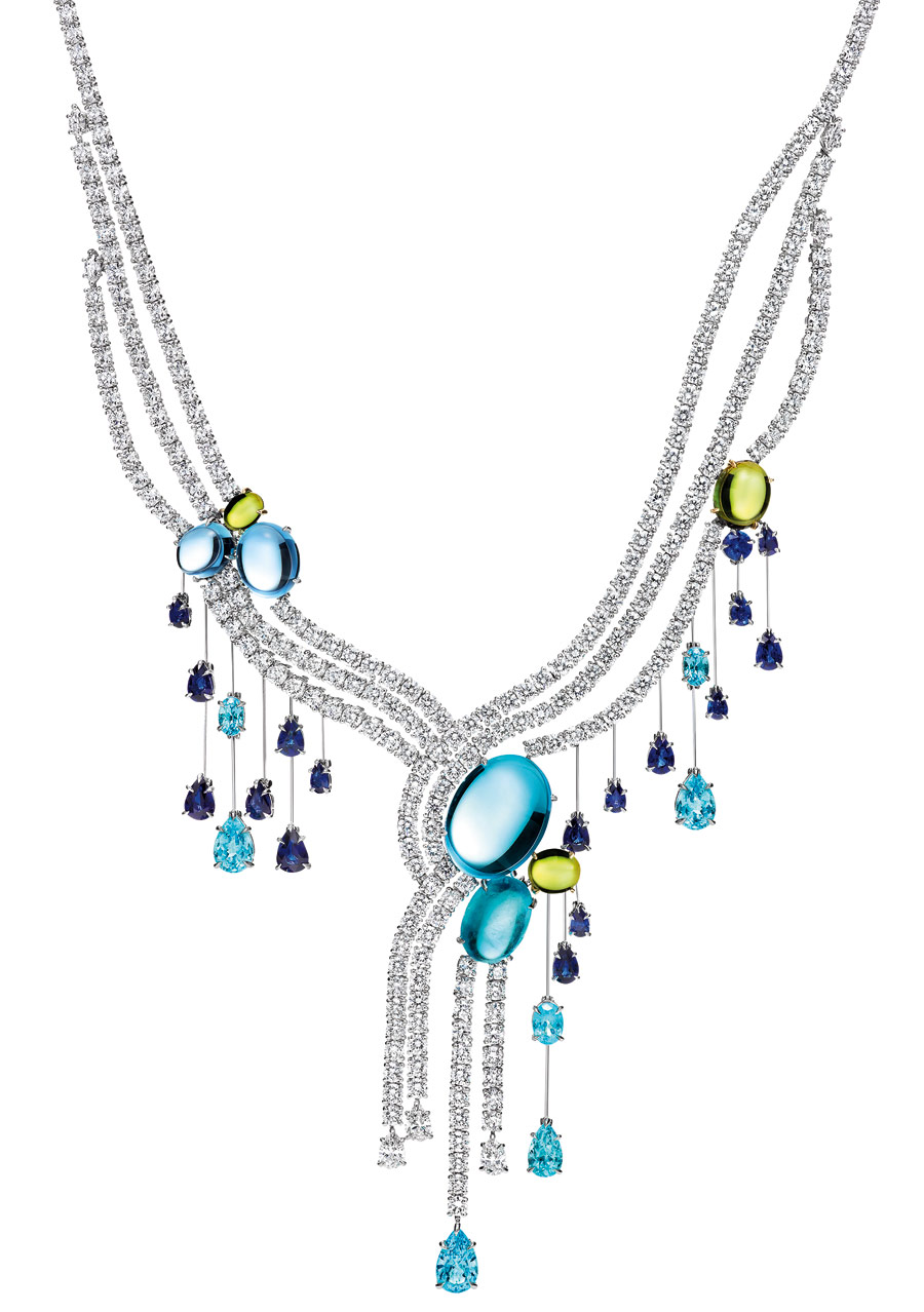 Harry-Winston-Water-Collection-Cabachon-Fall-Necklace The Best Jewelry Pieces That Women Like