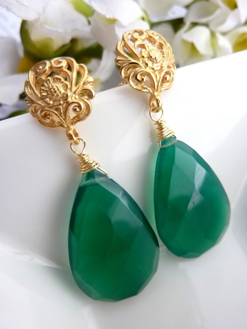 JCGemsJewelry-18-Karat-Gold-Vermeil-Emerald-Green-Onyx-Earrings-inpsied-by-Angelina-Jolie Best 30 Inspiring Jewelry Designs