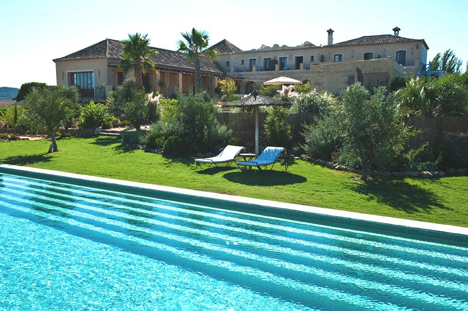 Luxury-Country-Retreat-Casa-La-Siesta-Spain-12 14 World's Most Luxurious Retreats in The World