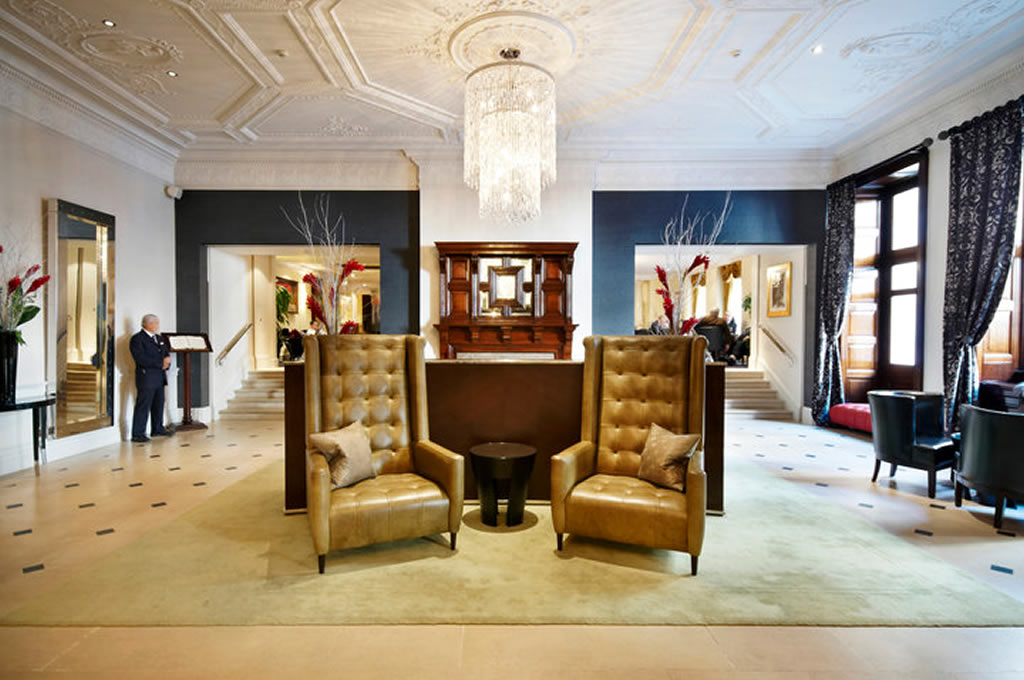 Luxury-Hotel-Lobby-Hospitality-Interior-Design-of-The-Royal-Horseguards-London Why Royal Horseguards Hotel is The Best in London