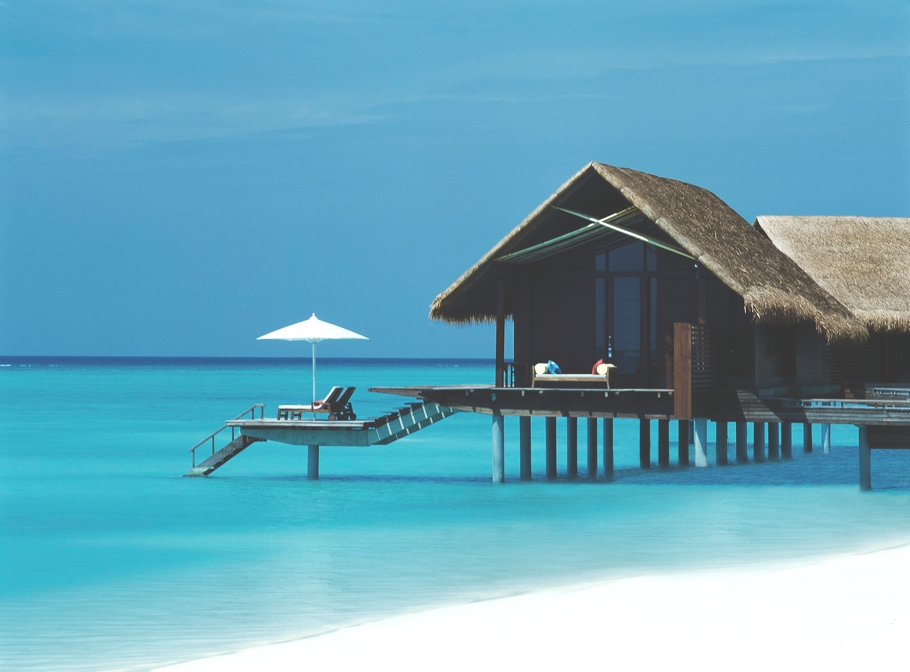 Luxury-Resort-Maldives 14 World's Most Luxurious Retreats in The World