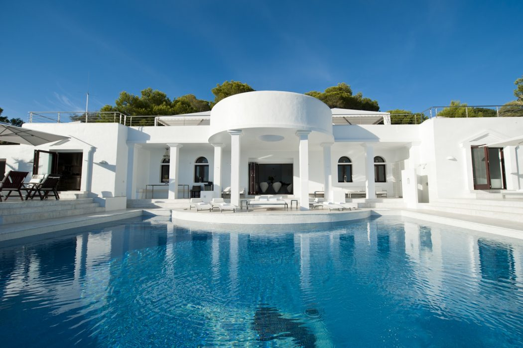 Luxury-Spain-Villa-in-Ibiza-Balearic-Islands 14 World's Most Luxurious Retreats in The World