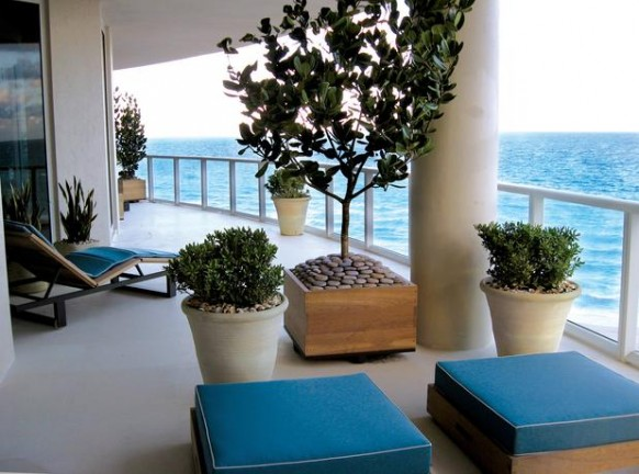 Modern-balcony-design How Do You Choose Your Balcony Furniture?