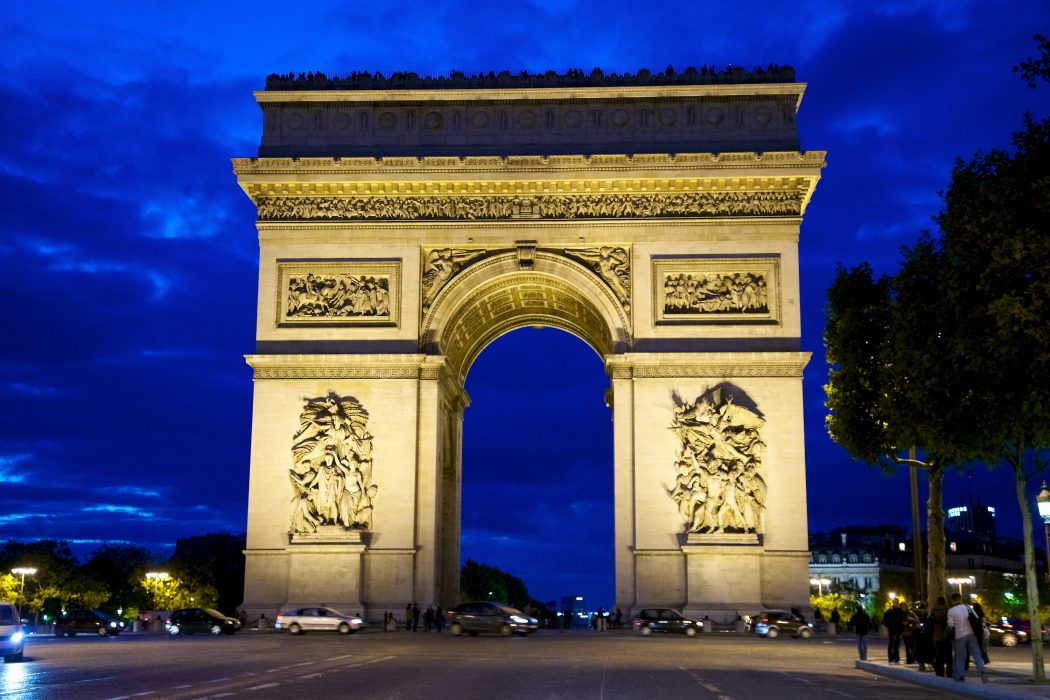 Paris_Arc_de_Triomphe 5 Most Romantic Getaways for You and Your Loved One