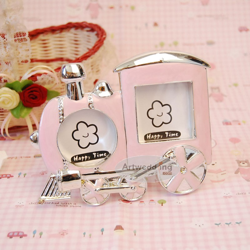 Pink-Baby-Train-Polyresin-Photo-Frame-Favor 20 unique wedding giveaways ideas