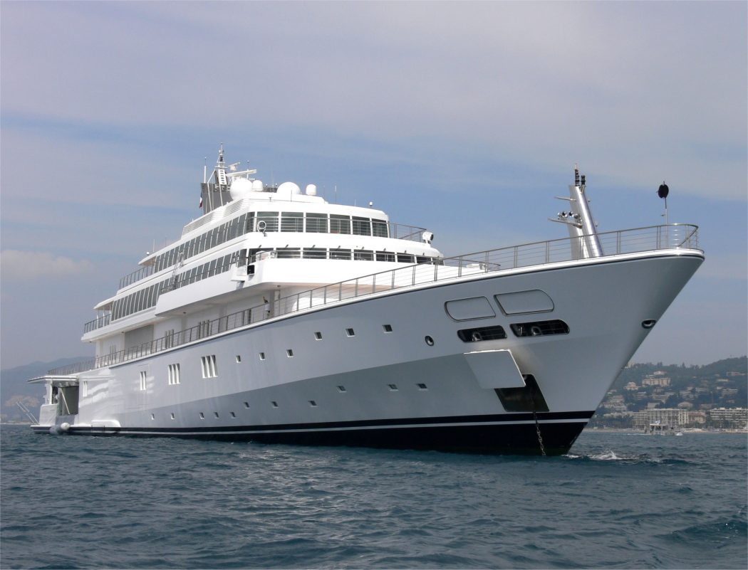 Rising_Sun 15 Most luxurious Yachts in The World