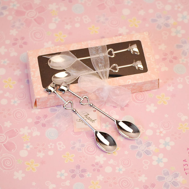 Silver-Couple-Coffe-Spoon-with-Heart-Design-for-Wedding-Gift-Purpose 20 unique wedding giveaways ideas