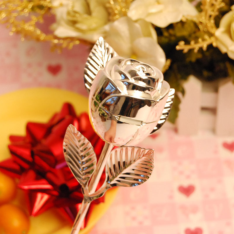 Silver-Plated-Rose-Ring-Box-Wedding-Favor 20 unique wedding giveaways ideas