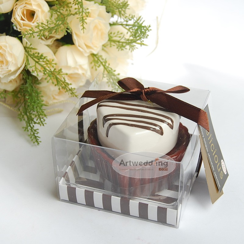 Two-Tone-Heart-Shaped-Chocolate-Cake-Wedding-Candle-Holder 20 unique wedding giveaways ideas