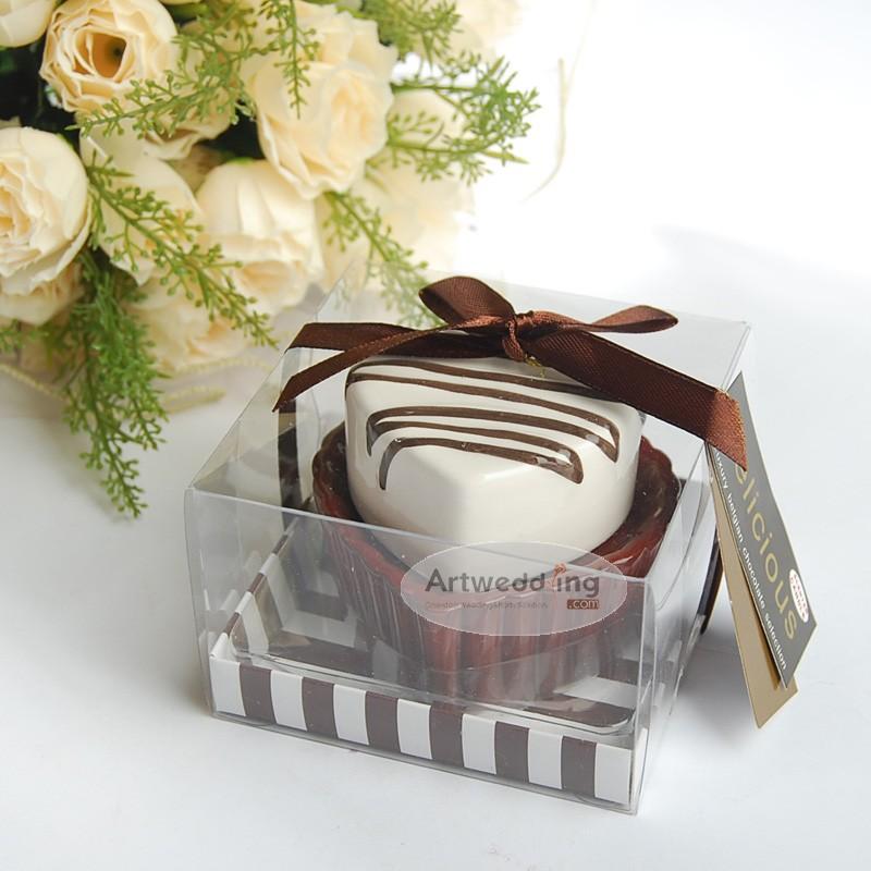 Two-Tone-Heart-Shaped-Chocolate-Cake-Wedding-Candle-Holder 20 unique wedding giveaways ideas