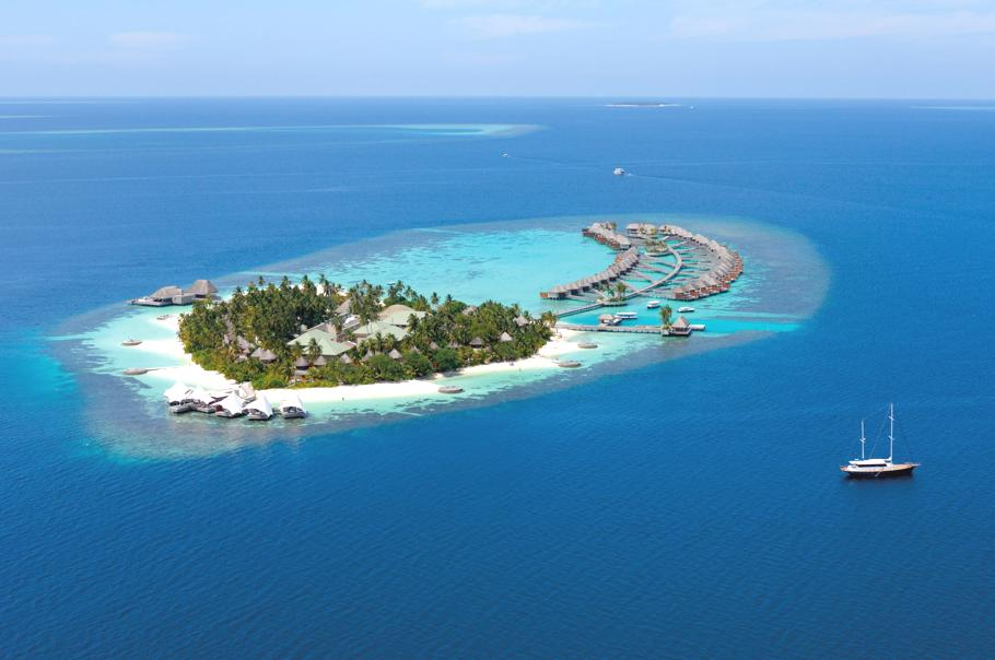 W-retreat-and-spa-maldives-11 14 World's Most Luxurious Retreats in The World