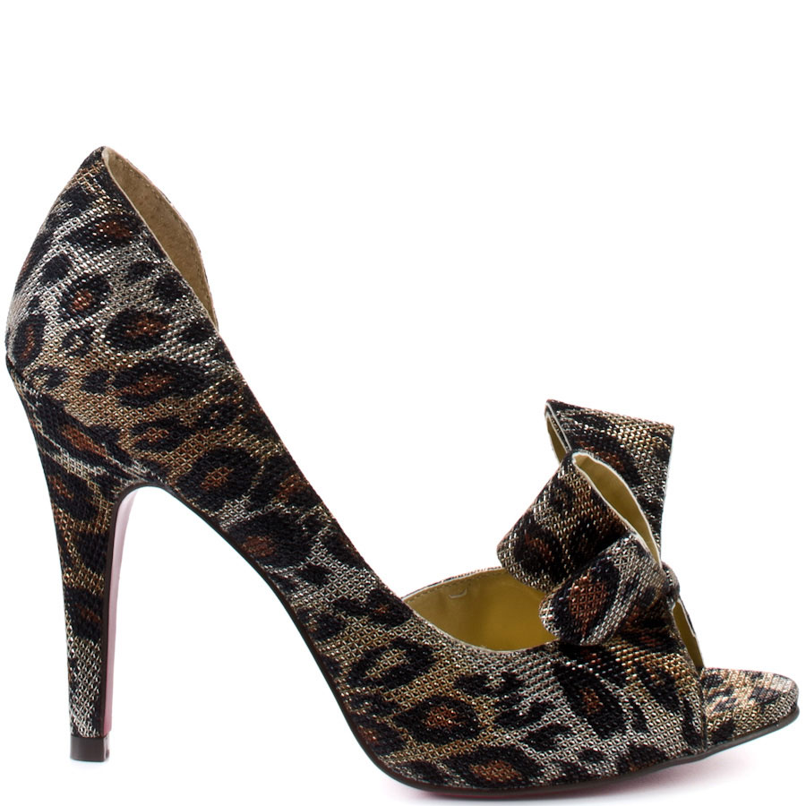 ZPH261_OUT_LG Why All Women Like Paris Hilton Shoes?