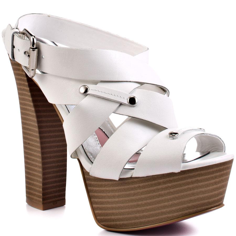 ZPH388_MAIN_LG Why All Women Like Paris Hilton Shoes?