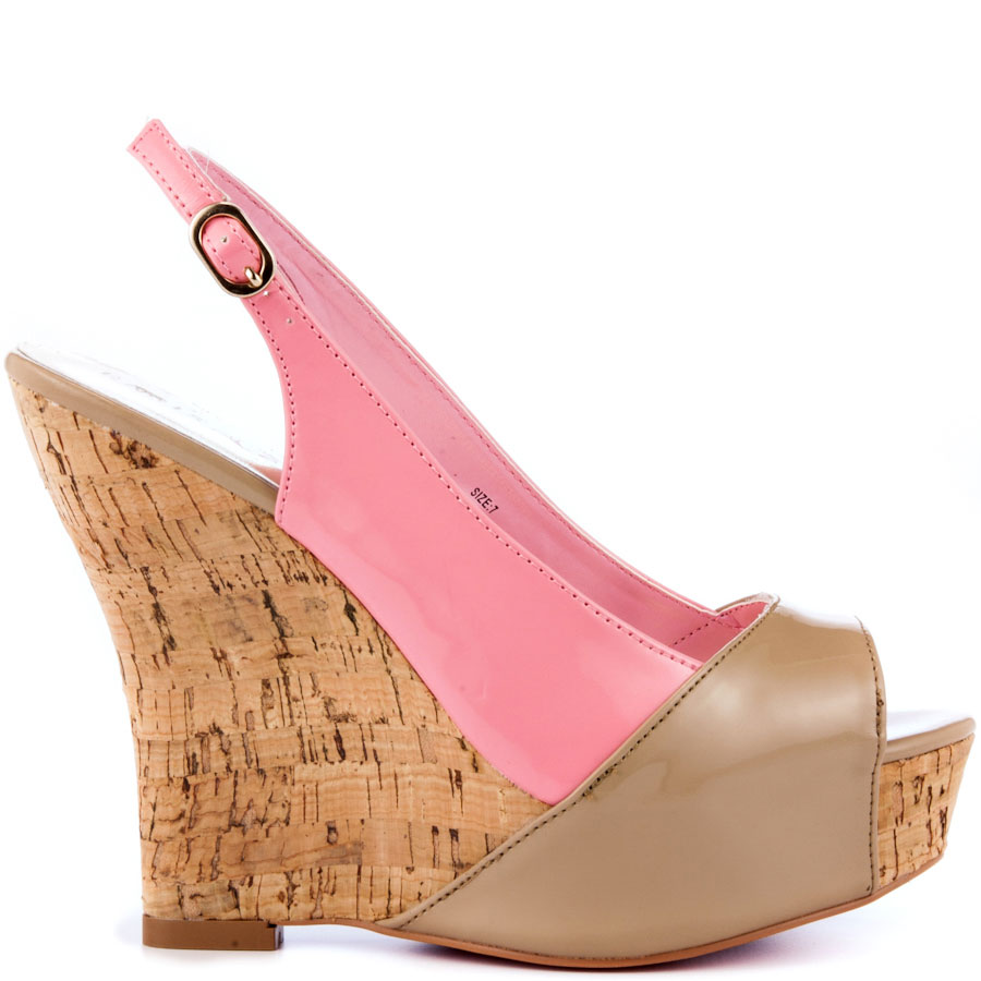 ZPH409_OUT_LG Why All Women Like Paris Hilton Shoes?