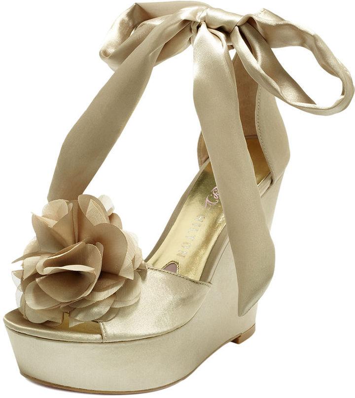 ae755c61d00d61c0f004a5e2fa1f7b25_best Why All Women Like Paris Hilton Shoes?