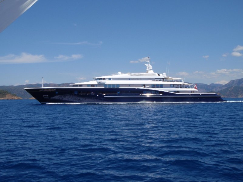 al-mirqab. 15 Most luxurious Yachts in The World