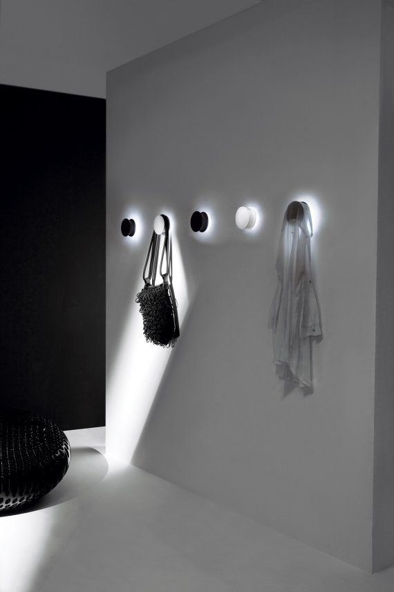 alone-wall-hook-light-1 LEDs 10 uses in Architecture