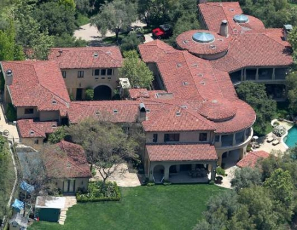 arnold-schwarzeneggers-23-mill Top 15 Most Expensive Celebrity Homes