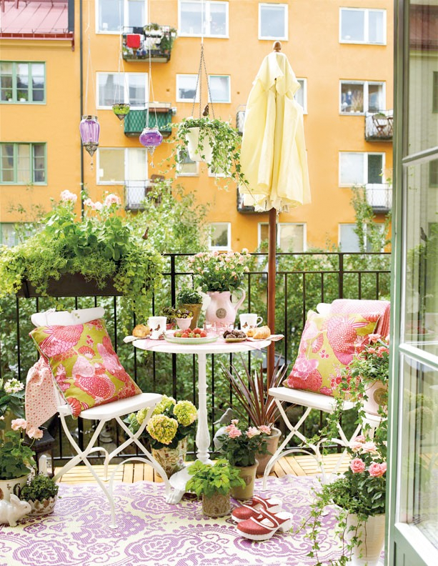 balkony-inspiration How Do You Choose Your Balcony Furniture?