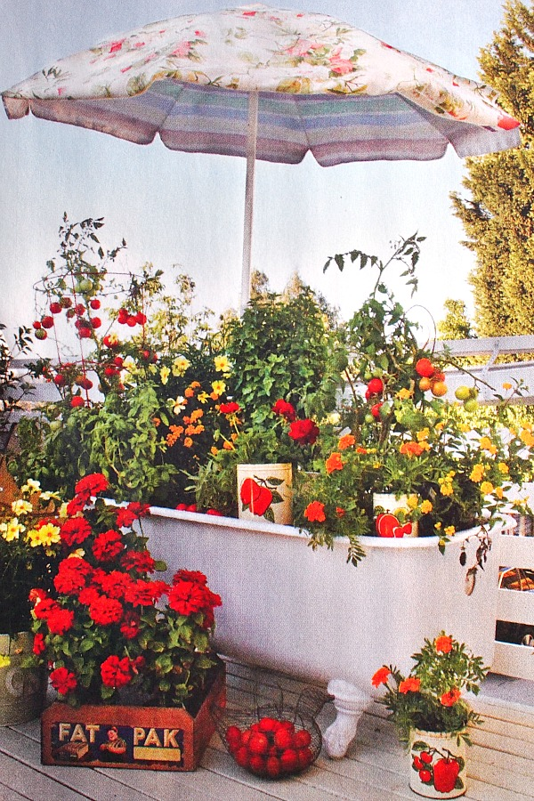 bathtub-planter-fleamarket-gardening1 10 Fascinating and Unique Ideas for Portable Gardens