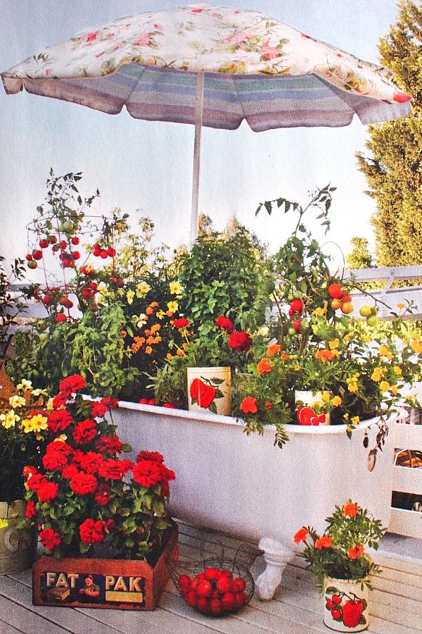 bathtub-planter-fleamarket-gardening1 10 Fascinating and Unique Ideas for Portable Gardens