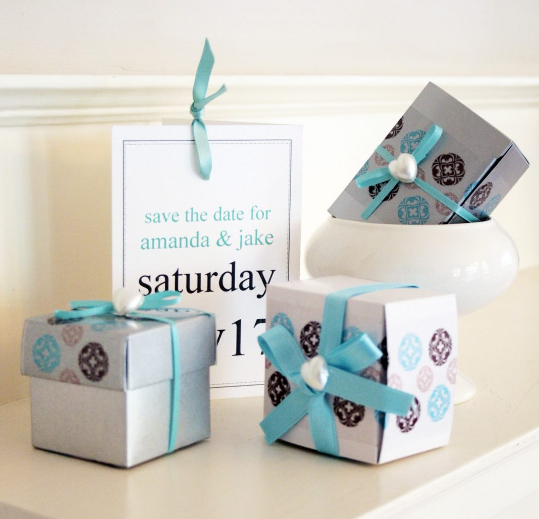 blue-and-brown-wedding-favors-DIY-with-decorative-tape 20 unique wedding giveaways ideas