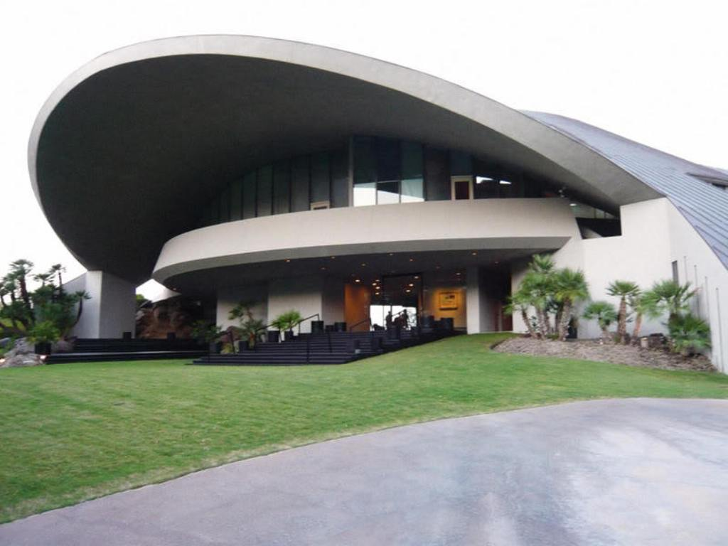 bob-hope-lautner-house-1 Top 15 Most Expensive Celebrity Homes