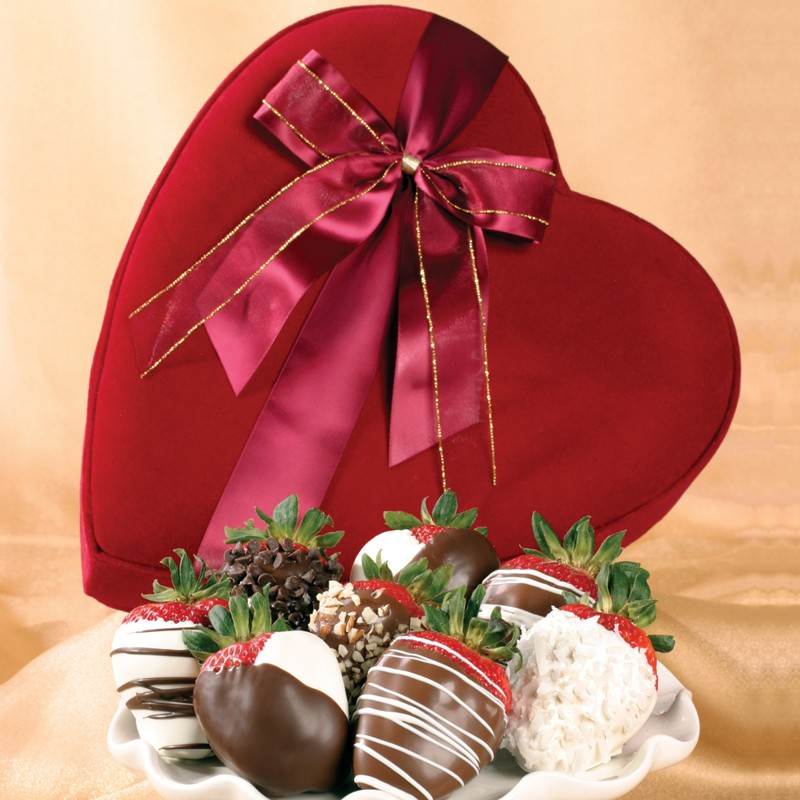 chocolate-strawberries 35 Most Mouthwatering Romantic Chocolate Gifts