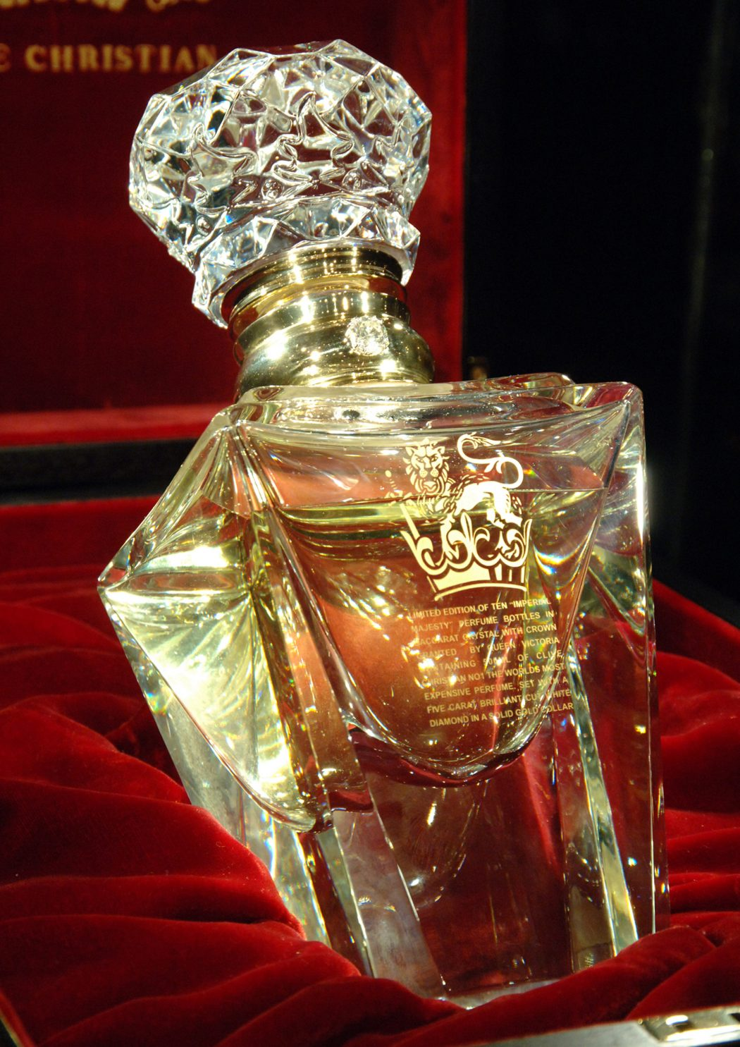 clive christian no 1 perfume imperial majesty edition closeup1 10 Most Expensive Perfumes for Women in The World 2013