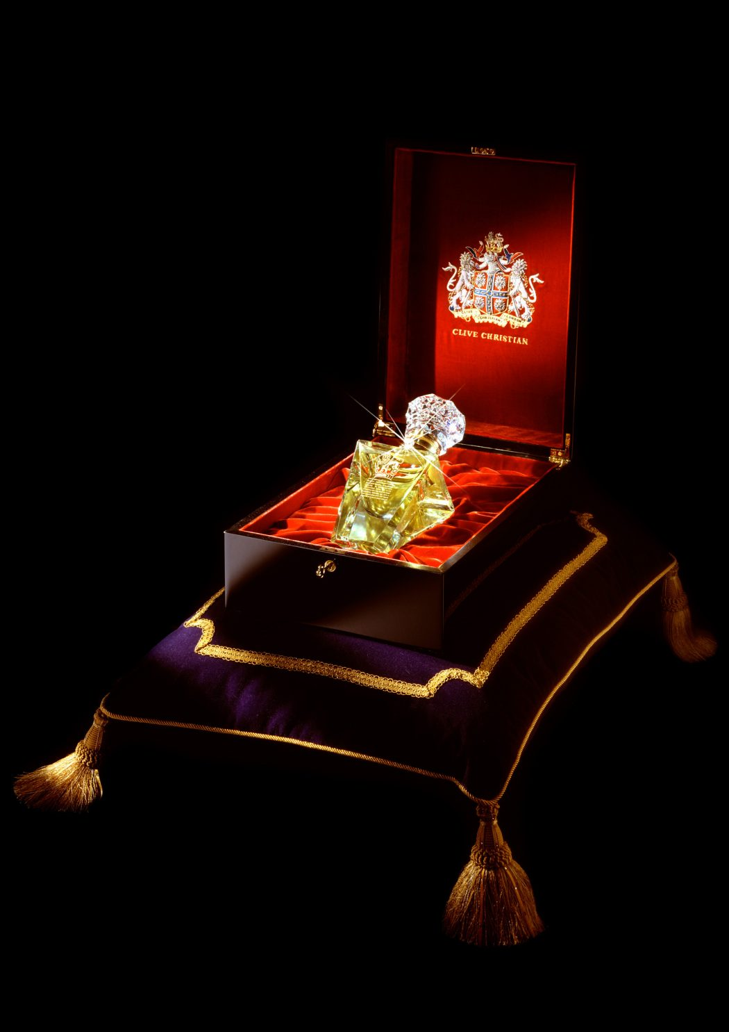clive-christian-no-1-perfume-imperial-majesty-edition-in-box 10 Most Expensive Perfumes for Men in The World