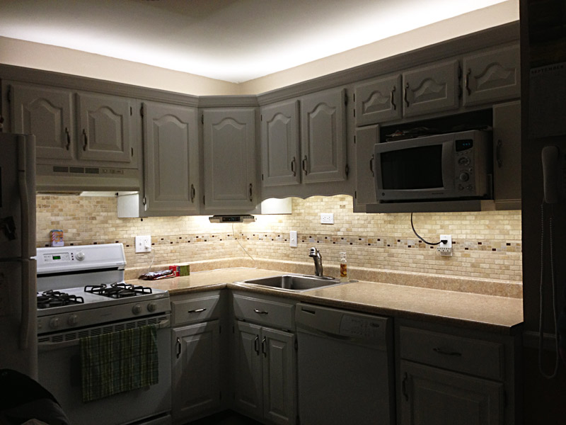 custom-length-flexible-light-strips-in-kitchen-4 LEDs 10 uses in Architecture