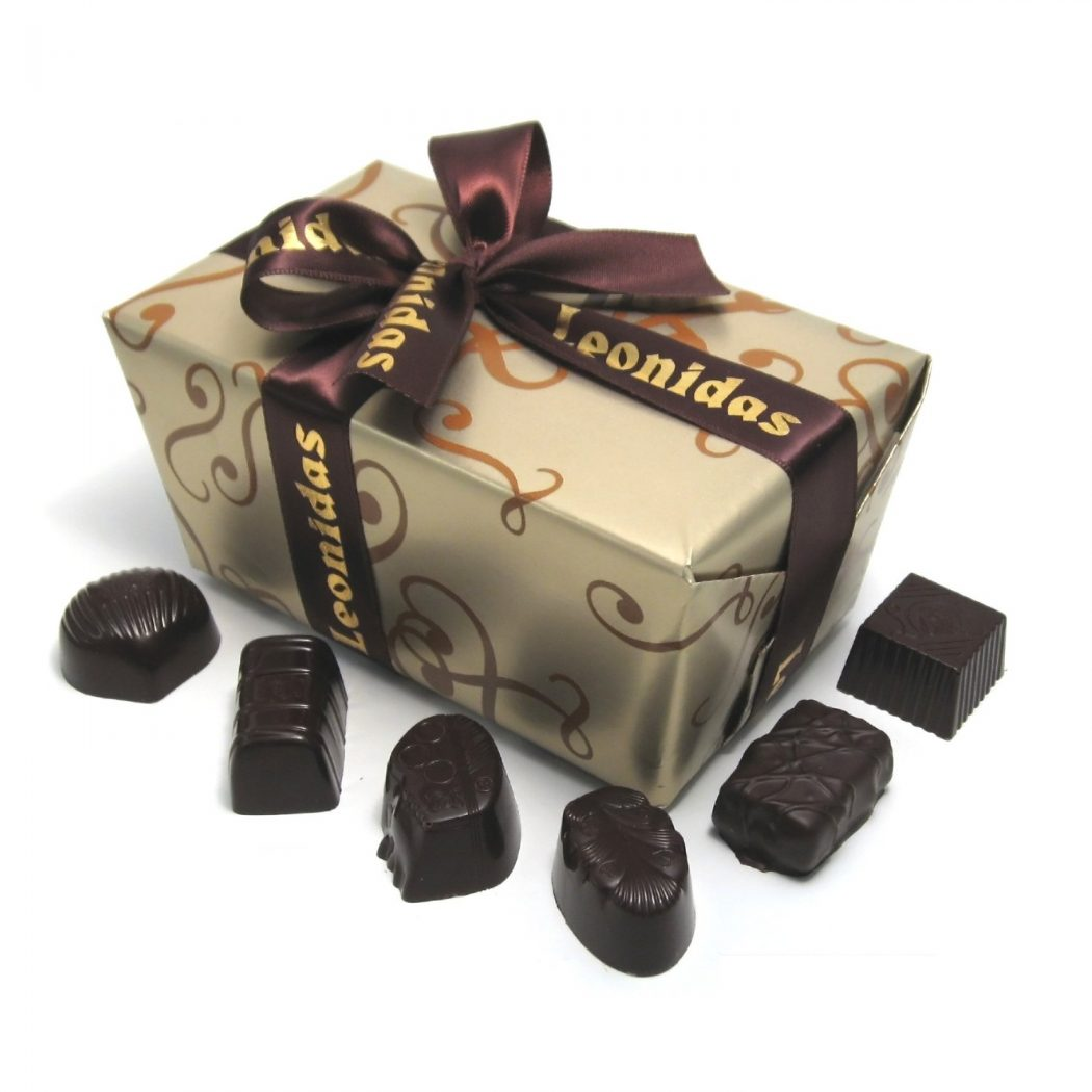 dark-chocolate 35 Most Mouthwatering Romantic Chocolate Gifts