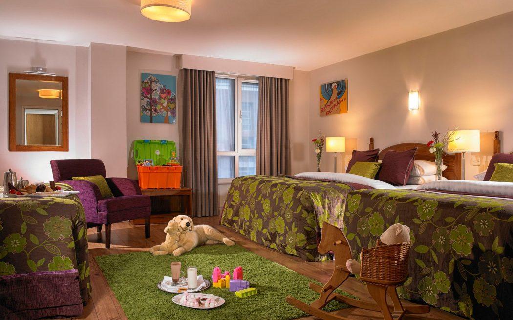 family-room-camden-court-hotel-dublin-001-1600x1000 Camden Court Hotel Review