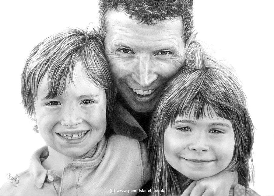 family_pencil_portrait2 Stunningly And Incredibly Realistic Pencil Portraits