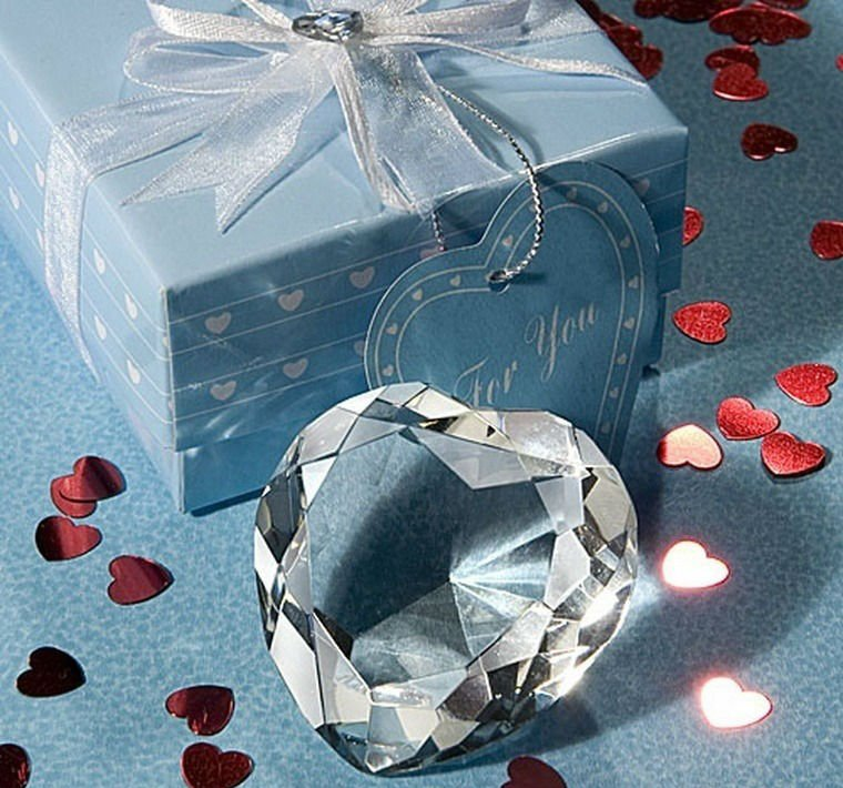 font-b-Crystal-b-font-wholesale-SJ005-Choice-font-b-Crystal-b-font-Heart-Design 20 unique wedding giveaways ideas
