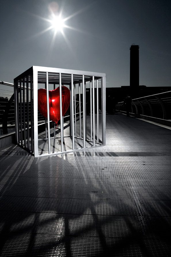 heart-on-bridge_low Most Popular Heart Art Installations