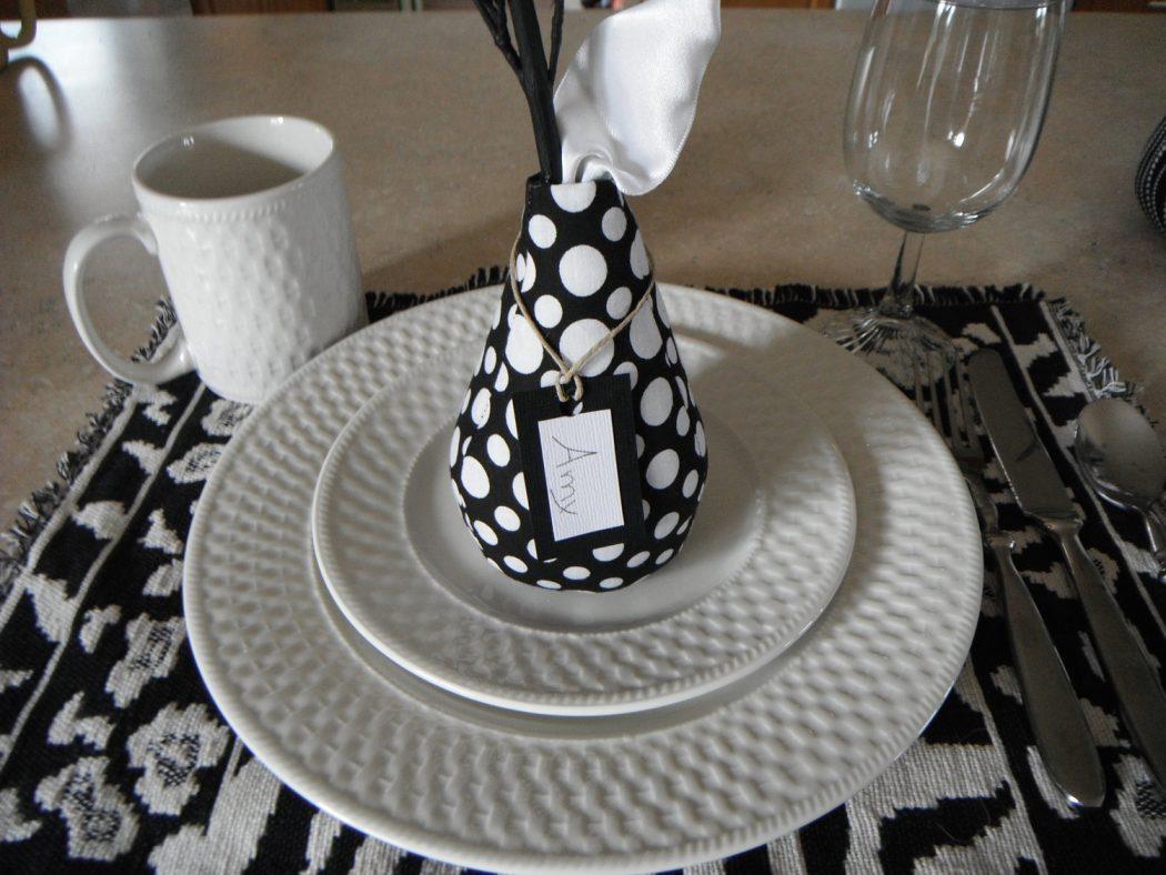 il_fullxfull.290433441 25 Elegant Black And White Dining Room Designs
