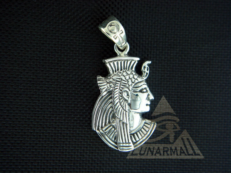 isis.pendant 35 Goddess Jewelries for Those Who Like History