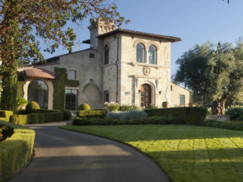 joemontanashouse Top 15 Most Expensive Celebrity Homes