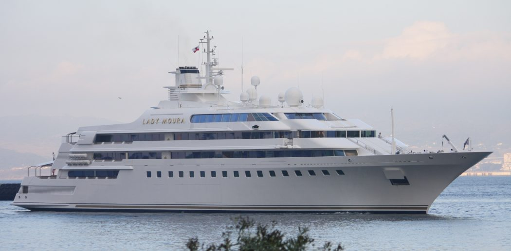 lady-moura 15 Most luxurious Yachts in The World