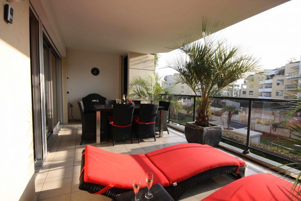 le-san-marco-balcony How Do You Choose Your Balcony Furniture?